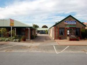 Lake Albert Motel - Tweed Heads Accommodation