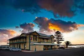 Arno Bay Hotel - Tweed Heads Accommodation