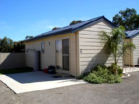 Moonta Bay Cabins - Tweed Heads Accommodation