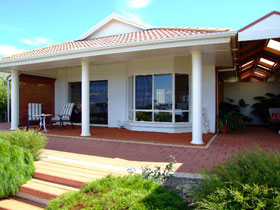 Close Encounters Bed and Breakfast - Tweed Heads Accommodation