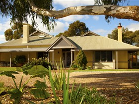 Whistler Farm - Tweed Heads Accommodation