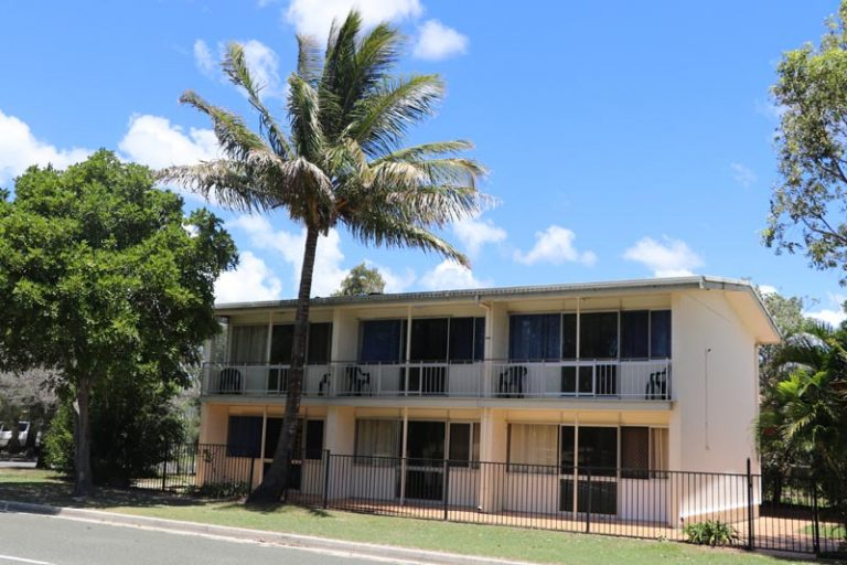 Pippies Beachhouse - Tweed Heads Accommodation