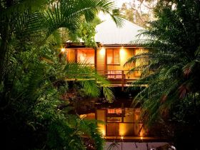 Hunchy Hideaway - Tweed Heads Accommodation