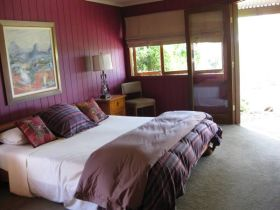 French Cottage and Loft - Tweed Heads Accommodation