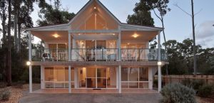Lochani on the Bay - Tweed Heads Accommodation
