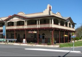 The Royal Hotel Adelong - Tweed Heads Accommodation