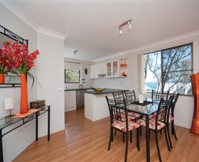 Magnus Street Treetops - Tweed Heads Accommodation