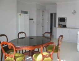 Olas Holiday House - Tweed Heads Accommodation