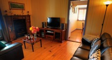Apple Blossom Cottage - Tweed Heads Accommodation