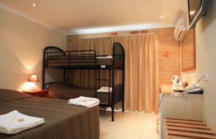 Emerald Central Palms Motel - Tweed Heads Accommodation