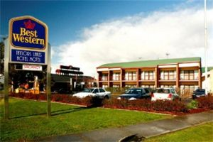Taylors Lakes Hotel - Tweed Heads Accommodation