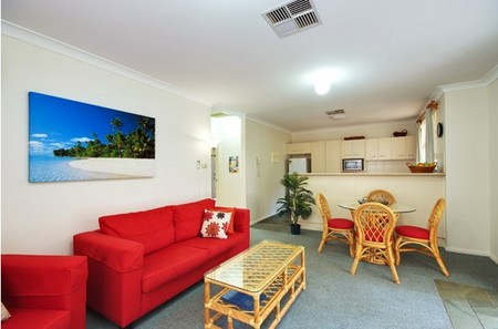 Beaches Serviced Apartments - Tweed Heads Accommodation