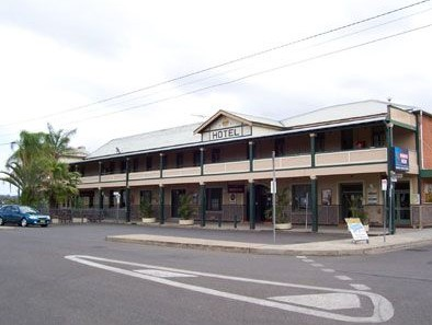 Crown Hotel Motel - Tweed Heads Accommodation