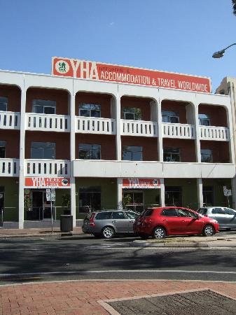 Adelaide Central YHA - Tweed Heads Accommodation