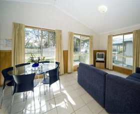 Swan Lake Holiday Park - Tweed Heads Accommodation