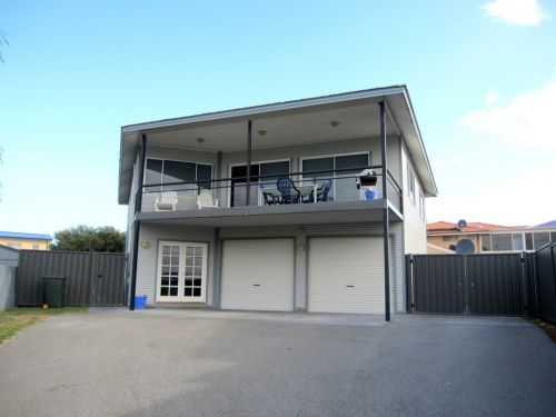 Lancelin Beach Breaks Holiday Accommodation - Tweed Heads Accommodation