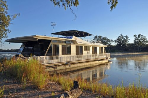 Houseboat Heaven - Tweed Heads Accommodation