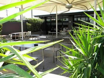 Crossroads Hotel Liverpool - Tweed Heads Accommodation