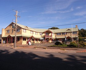 Parer's King Island Hotel - Tweed Heads Accommodation