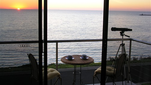 Clifftop Accommodation Portland Victoria - Tweed Heads Accommodation