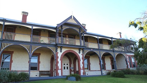 Oceanic Sorrento - Whitehall Guesthouse - Tweed Heads Accommodation