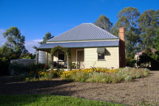 Mary Anns Cottage - Tweed Heads Accommodation