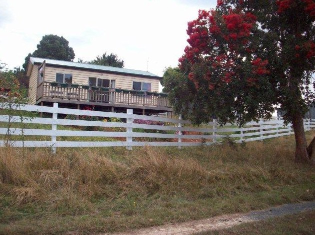 Demeter Farm Cabin - Tweed Heads Accommodation