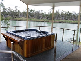 Cascades On The River - Tweed Heads Accommodation