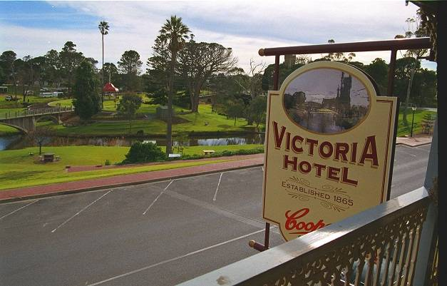 Victoria Hotel - Tweed Heads Accommodation