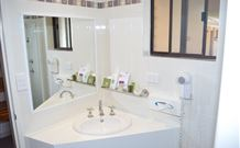 Hilltops Retreat Motor Inn - Young - Tweed Heads Accommodation