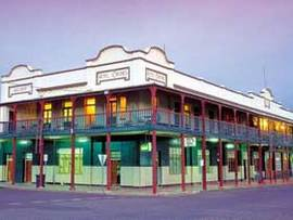 Hotel Corones - Tweed Heads Accommodation