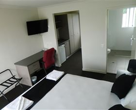 Dooleys Tavern and Motel Springsure - Tweed Heads Accommodation