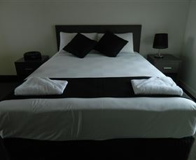 Dooleys Tavern and Motel Capella - Tweed Heads Accommodation