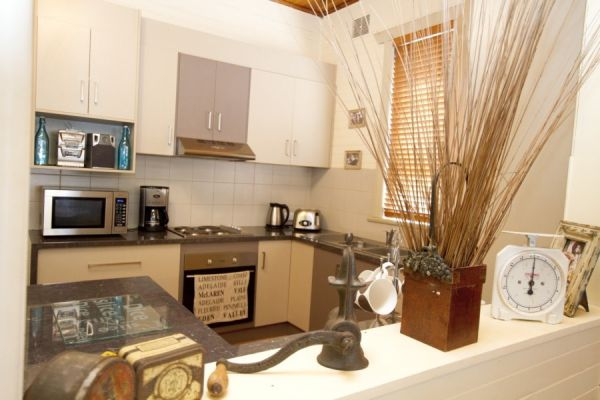 Anderl's Beach Cottage - Tweed Heads Accommodation