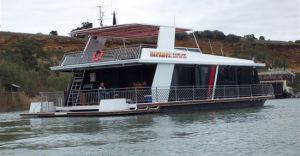 Takeme2 Houseboat - Tweed Heads Accommodation