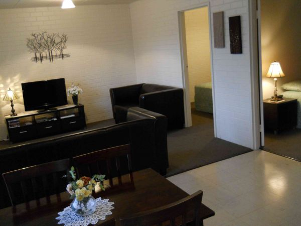 BJs Short Stay Apartments - Tweed Heads Accommodation