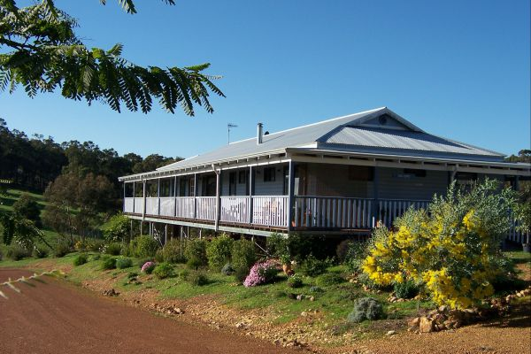 Blue House Bed and Breakfast - Tweed Heads Accommodation