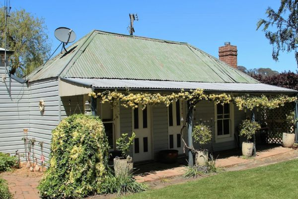 Drayshed Cottage - Tweed Heads Accommodation