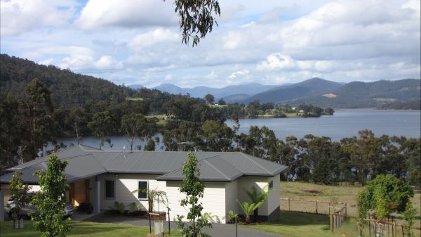 Huon River Cottage - Tweed Heads Accommodation