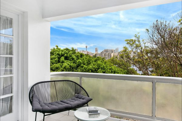 New Beach Apartment - Tweed Heads Accommodation