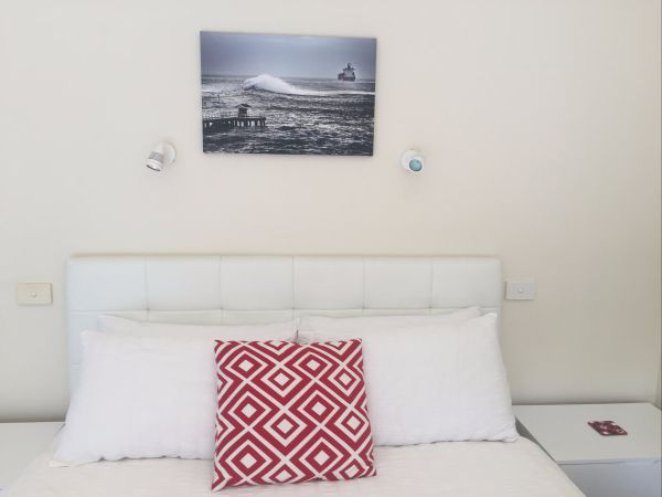 Springtide Studio Apartments - Tweed Heads Accommodation