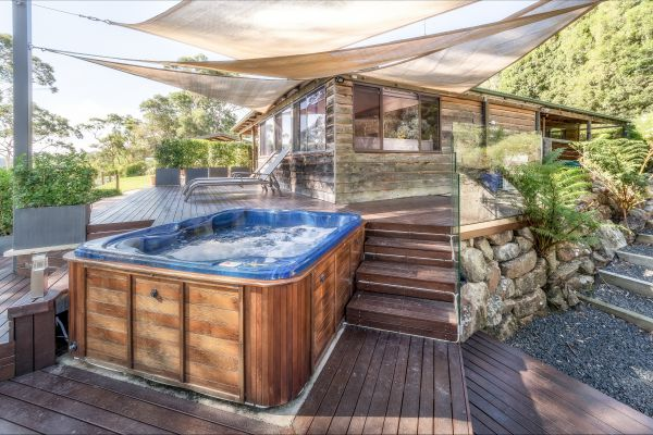 Coach House Hill Cottage - Tweed Heads Accommodation