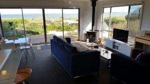 Coorong Waterfront Retreat - Tweed Heads Accommodation
