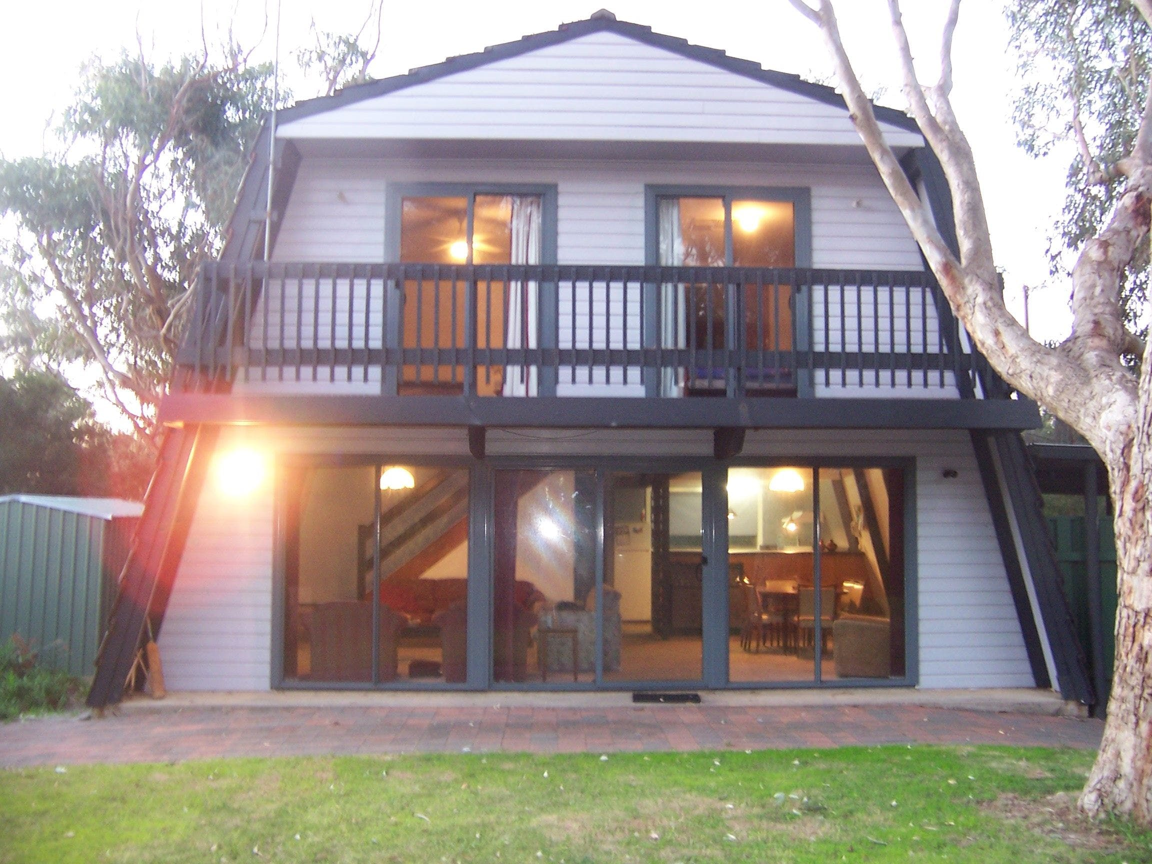 Century 21 SouthCoast Pink Gums - Tweed Heads Accommodation