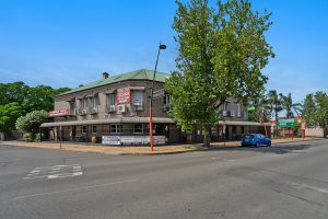 Imperial Hotel - Tweed Heads Accommodation