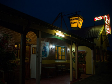 The Bull and Bush Tavern - Tweed Heads Accommodation