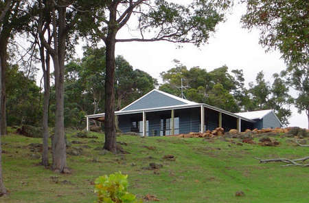 Vista Ridge Estate - Top Paddock Cottage - Tweed Heads Accommodation
