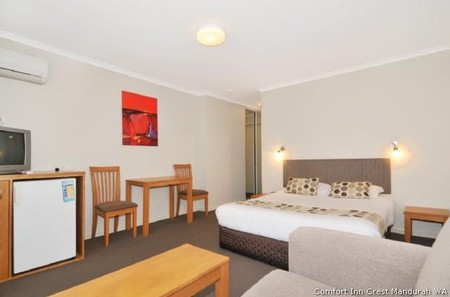 Comfort Inn Crest Mandurah Motel & Apartments