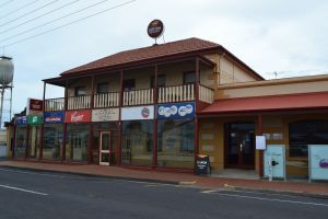 Victoria Hotel Port McDonnell - Tweed Heads Accommodation