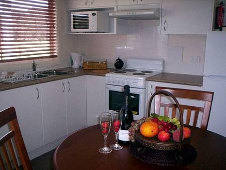 Prom Port Cottages - Tweed Heads Accommodation